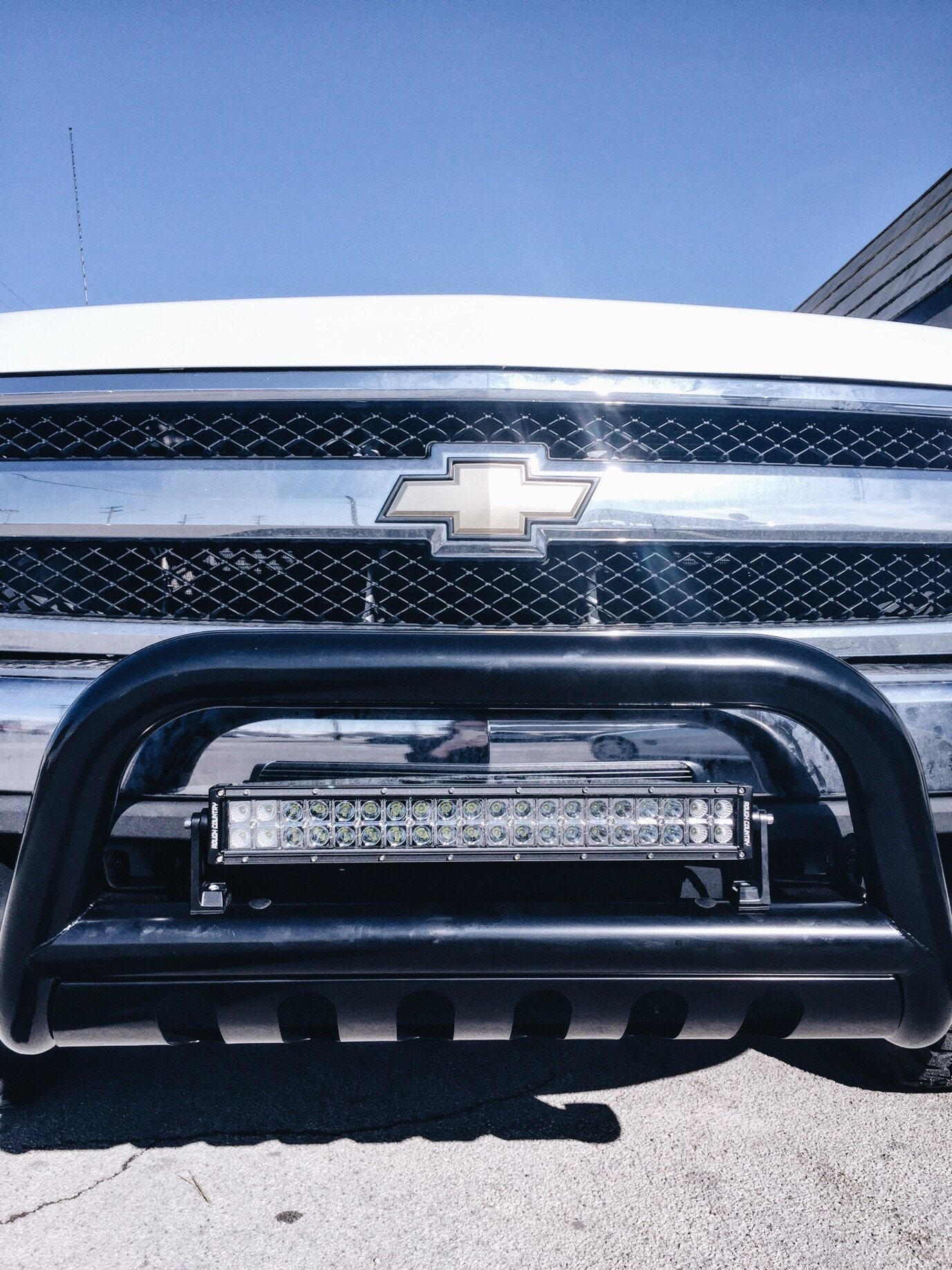 Chevy grill w/bull bar + light bar